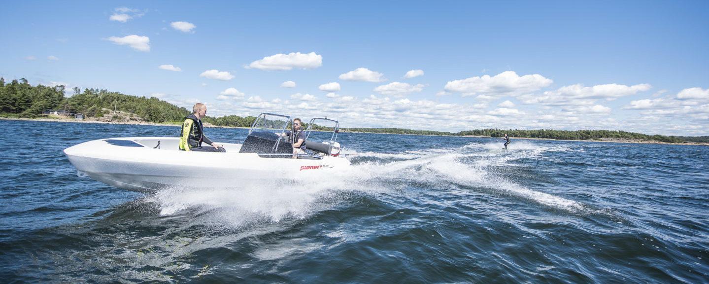Fartfyllda sjöaktiviteter